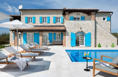 Luxury stone villa with pool nearby