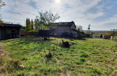 OPORTUNITY OPORTUNITY! STONE HOUSE PARTIALLY RENOVATED ON A PLOT OF 1100m2